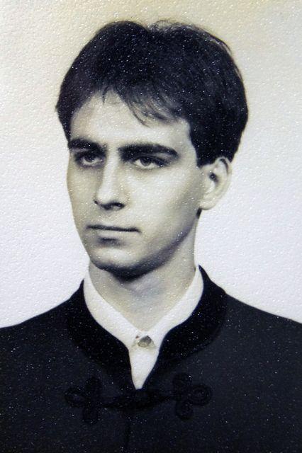 198994